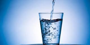 Lauw water drinken