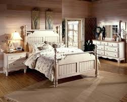 Antique Bedroom Decor Simple Design