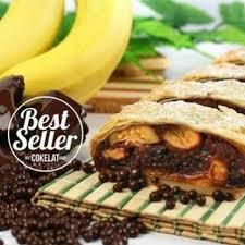 Malang Strudel Pisang Coklat Food Drinks Baked Goods On Carousell