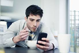 getting the most out of facebook lifewire how to tell if you re a facebook addict