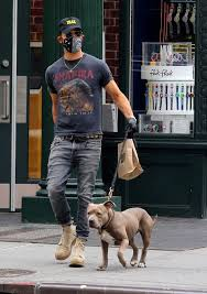 'i feel like a bit of a jerk'. 440 Theroux Style Ideas In 2021 Justin Theroux Style Mens Outfits