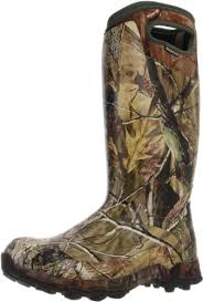 under armour rubber hunting boots. the bowman hunting boots combine two very requested features: comfort and ruggedness. made out of rubber with neoprene lining, these will help you under armour