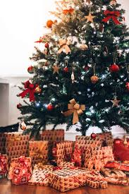 Christmas Tree With Presents Vertical Stock Images Page Everypixel