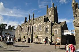 File:Tavistock Town Hall (4957).jpg - Wikimedia Commons