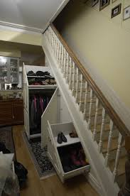 Under-stair storage traditional-closet