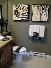 Inexpensive Bathroom Decor Small Home Decorating On A Budget Decorating A Small Office On A