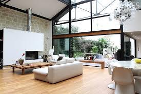 Loft Avec Verrière Et Une Grande Hauteur Sous Plafond
