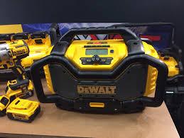 dewalt radio dcr025. dewalt flexvolt radio dcr025 i