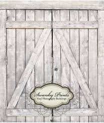 Barn Door Photography Backdrop • Barn Door Ideas
