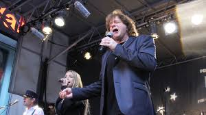 Eddie Money: Singer says he has stage 4 esophageal cancer