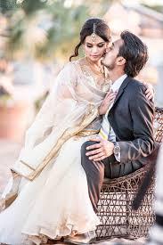 Love Kiss Couple Desi Sari White Dulha Dulhan Weddings Shadi Beach Adorable Deci Lover In Download