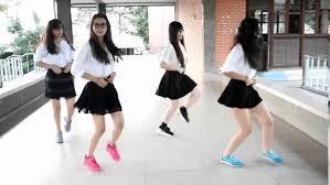 Dancing hot asian teen dancing