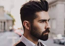 Model rambut pendek ini bisa dicoba untuk anda yang mempunyai rambut keriting. 10 Model Gaya Rambut Pendek Pria Sesuai Bentuk Wajah Waktubaca