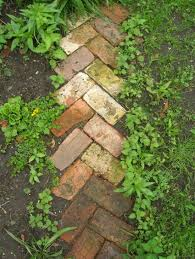 garden paths easy. i really like this diy path and it seems something we can do ourselves: garden paths easy