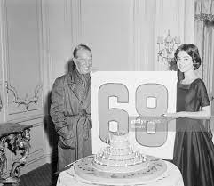 stage star Maurice Chevalier gets ...