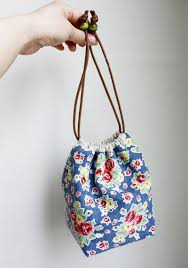 Drawstring Bag Pattern Extraordinary Reversible Drawstring Bag Tutorial DIY Tutorial Ideas