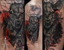тату олени на плече фото татуировки в стиле кавер ап олен 209914