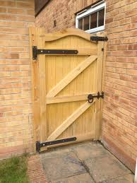 garden gates and side gates handcrafted in the uk to any width or height using time served construction techniques gates and fences uk offer a full