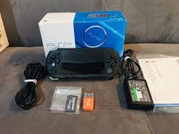 Máy chơi game PSP hack - PESGAMES