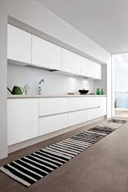 White ash thermal structure doors. bianco dax laminated worktop