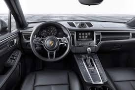 2018 porsche macan. wonderful porsche 2018 porsche macan interior on porsche macan e