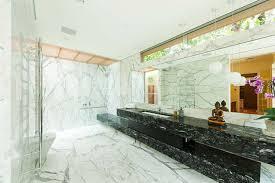 20mm Calacatta Marble Grain Matched Bathroom