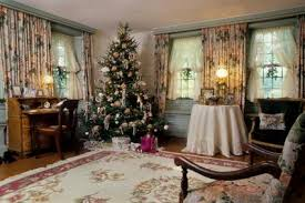 Victorian Christmas living room
