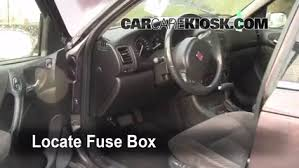 interior fuse box location 2000 2005 saturn ls2 2000 saturn ls2 2003 saturn ion cigarette lighter fuse at Saturn Ion Fuse Box Location