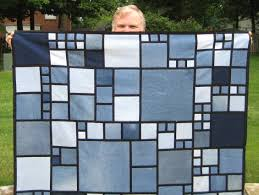 I QUILT FOR FUN: What a great pattern! & Alicia estimates that a quilt takes about 5-6 pairs of jeans. Here is one  pair of jeans that I cut up last weekend. As you can see, there is not a  lot ... Adamdwight.com