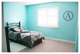 Walls  tiffany blue ...
