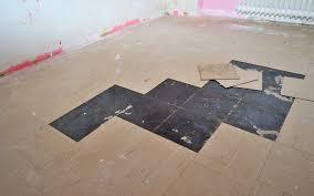 The technology is also suitable for pvc tiles. Schwarzer Kleber Unter Pvc Platten Oder Asbestbelasteten Flex Platten