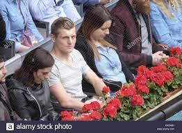 Toni Kroos e sua moglie incinta Jessica Farber frequentare la Mutua Madrid  Open a Caja magica con: Toni Kroos, Jessica Farber dove: Madrid, Spagna  Quando: 05 Maggio 2016 Foto stock - Alamy