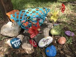 the rock painting group san antonio rocks now has several rock gardens and rock exchange