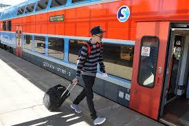 Evropská unie rozdá tisícovkám mladých lidí volné jízdenky na cestování po  Evropě | Plus