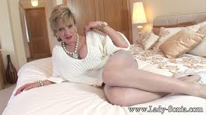 Very hot nylons mature housewife lady sonia at Mature Sex Pictures