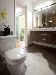 20 Small Bathroom Before and Afters | HGTV