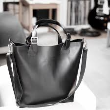 finding the best luxury leather tote everyday work bag travel carry on minimal smart sleek