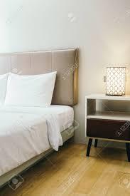 Weißes Kissen Auf Bett Dekoration Im Schlafzimmer Interieur