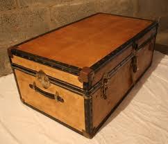unusual vintage steamer trunkstorage chestcoffee tabletoy box storage trunk coffee table diy c04433add1ea3ec3ec4a5a2f644