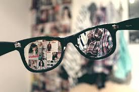 Resultado de imagem para tumblr óculos de grau