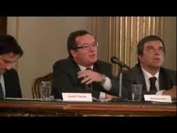 Douglas LYALL: Desafíos en materia de acceso a la justicia. - YouTube