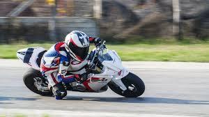 pályamotorozás gyerekeknek chrobák janival motorbike racer kids