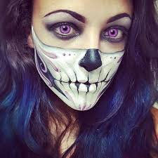 11 terrifyingly cool skeleton makeup ideas to try for