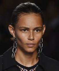 Spotted on the Spring 2016 Runways: Outrageously Cool <b>Statement</b> ...