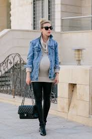 meagan brandon fashion blogger of meagan s moda wears gap oversized denim jacket with ingrid isabel sweater tunic leather leggingarc