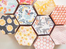 A Hexagon Quilt Video Tutorial: The Honey Pot Quilt — Maxie Makes & Hexagons Adamdwight.com