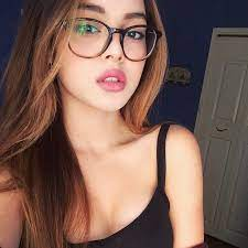 Pin by 150CM on Girls | Lily maymac, Girls with glasses, Girl