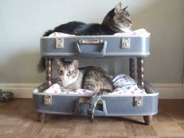 AD-Old-Suitcases-Decor-13