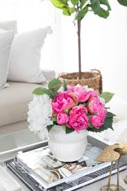 After all, it's main objective is to offer convenience in holding beverages, books and gorgeous accessories to display in your living space. Coffee Table Decor Ideas Inspiration Driven By Decor
