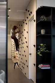 20 indoor climbing wall for an